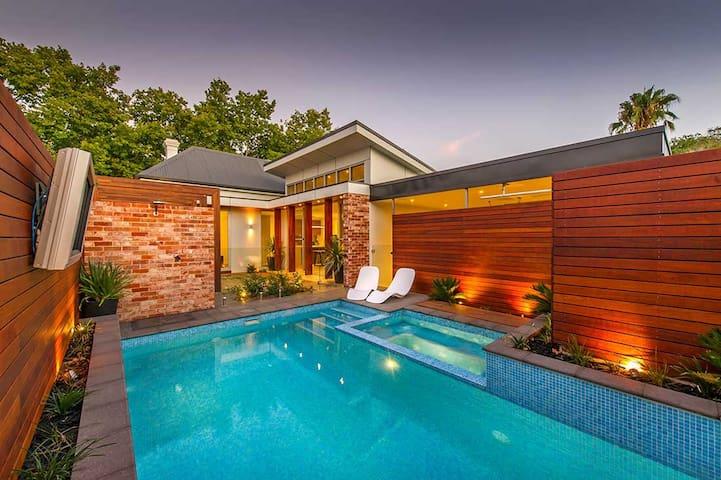 Luxury Norwood Living - Norwood - Σπίτι