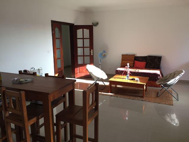 Chambre tout confort à Dakar - Dakar - Wohnung
