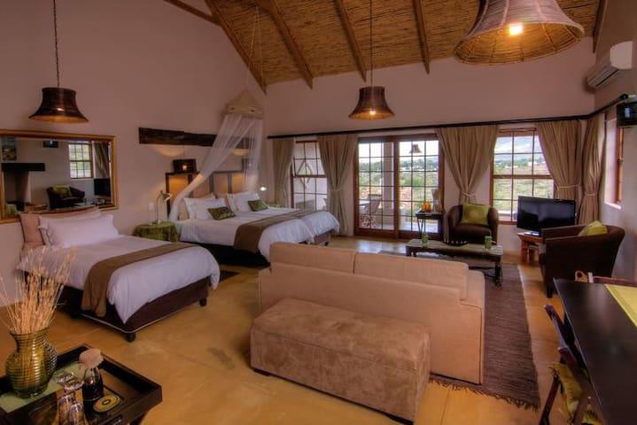 Karoo View Cottages - Cottage #4 - Striata