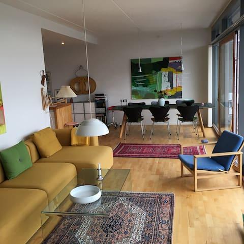 Skøn og eksklusiv penthouselejlighed for par - København - Leilighet
