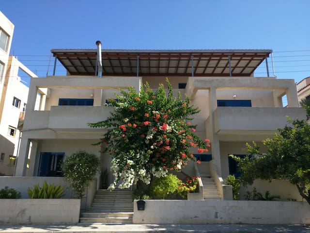 Apt near Kato Pafos and City Center