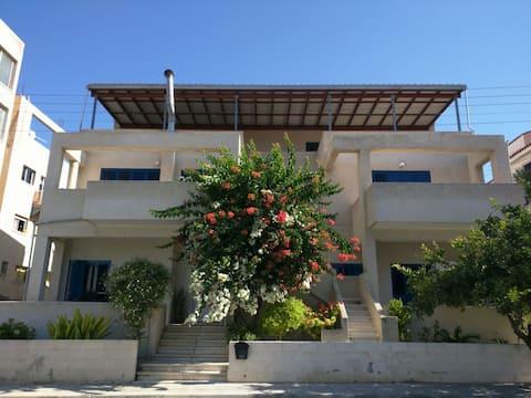 Krásne 2 spálne v blízkosti pobrežia a starého mesta Paphos