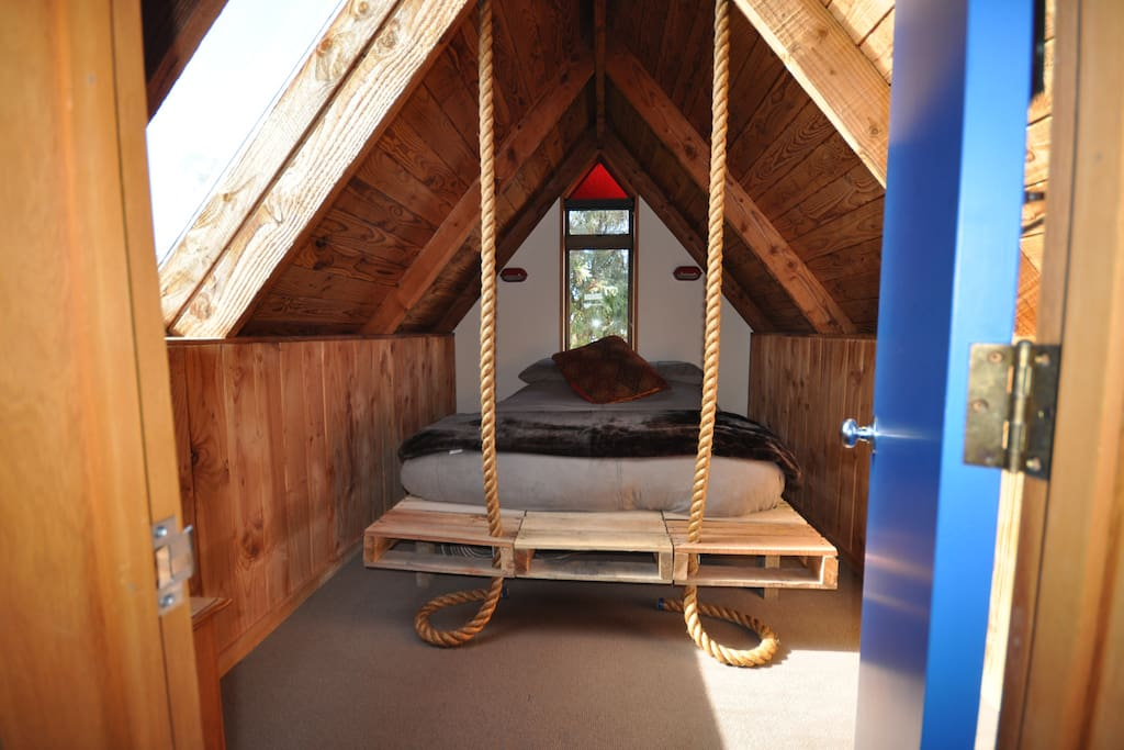 Upstairs Double room with hanging bed