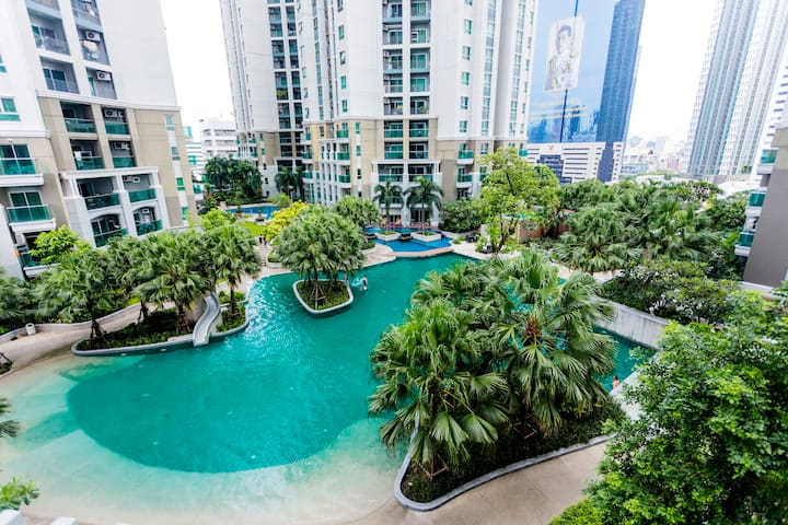Pool View Resort-like Condo in Central Bangkok中文服务