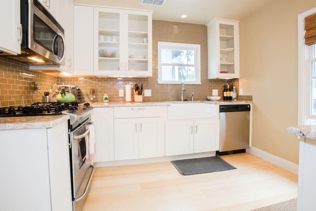 Kitchen- with full size dishwasher!
