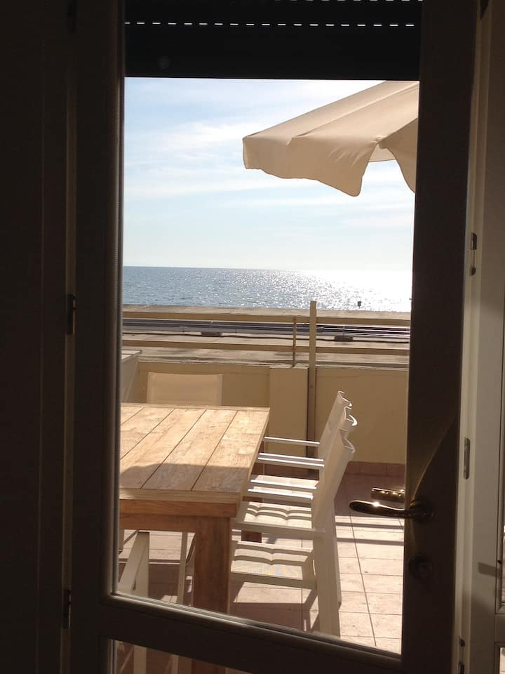 Your terrace on the tuscan sea