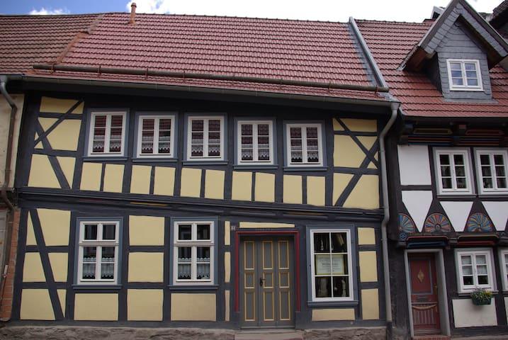 Schiefes Haus in Stolberg/Harz - Südharz