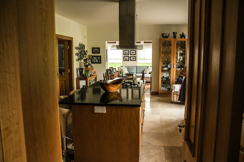 Gourmet kitchen, very large, bright with all mod cons