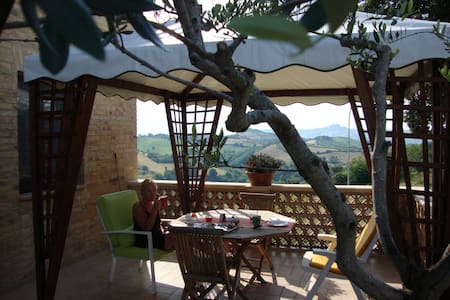 Beautiful room with fantastic view - Monsampolo del Tronto