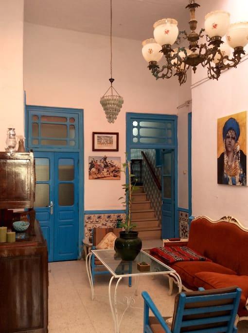 maison zidi au c ur de la medina maisons louer la m dina tunis tunisie. Black Bedroom Furniture Sets. Home Design Ideas