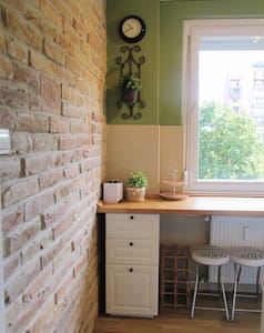 Lovely flat 10 mins from center - 3 bedrooms - Budapest