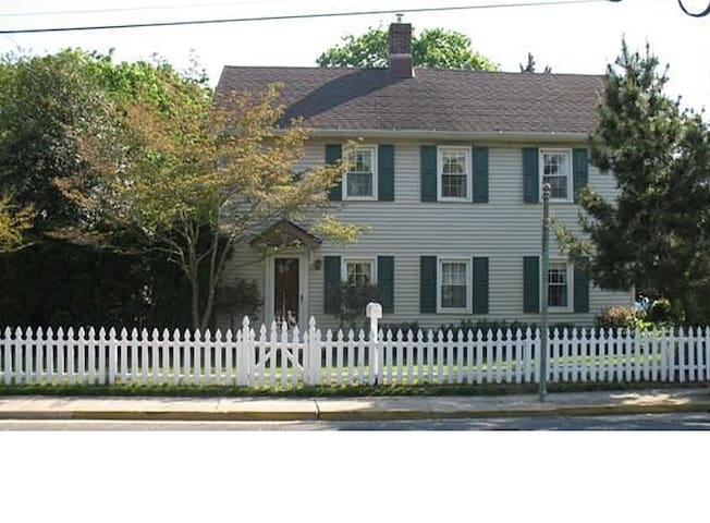 Historical Home near beaches & zoo - Cape May Court House - Dům