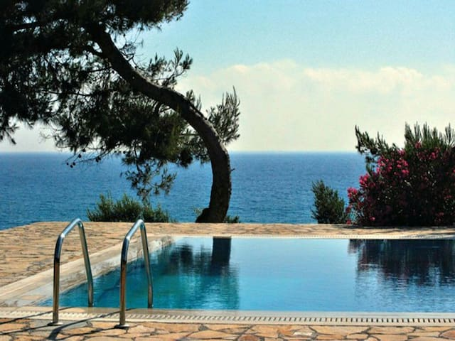 Luxury seaside apartments with pool - Ρίκια - Huoneisto