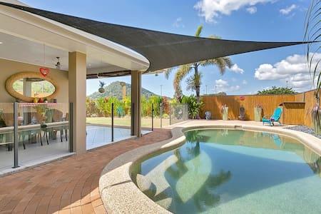 Tropical Modern 4 bedroom house - Hus