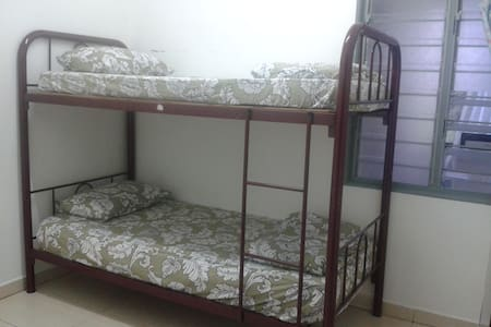 Basic small room with double decker( B- R 3) - Tanah Rata,Cameron Highlands,