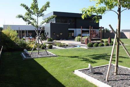 Luxury house moderne swimingpool - Wettolsheim