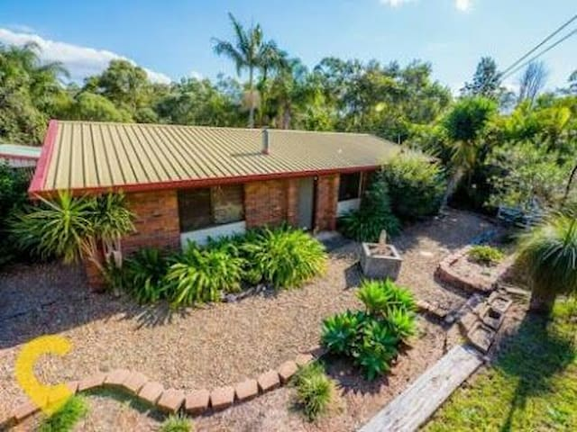 Quiet Clean House Pet friendly - Beenleigh - Dom