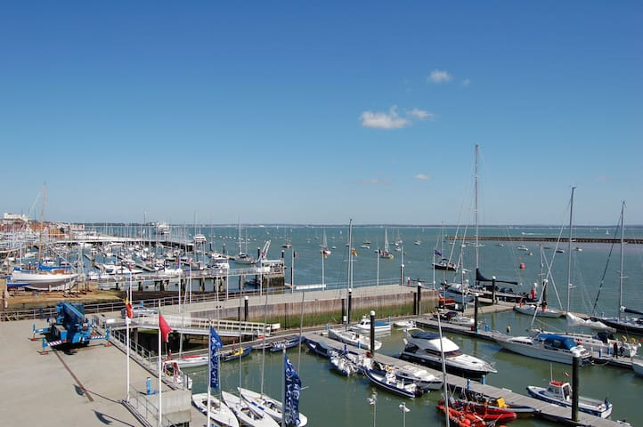 Luxury 3 bed seafront penthouse - Isle of Wight - Flat