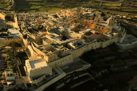 Mdina:1BDR Regal House of Character - L-Imdina - 独立屋