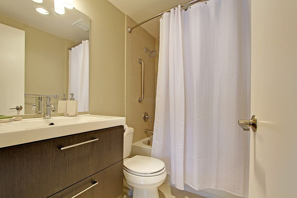 All new modern bathroom with shower/tub