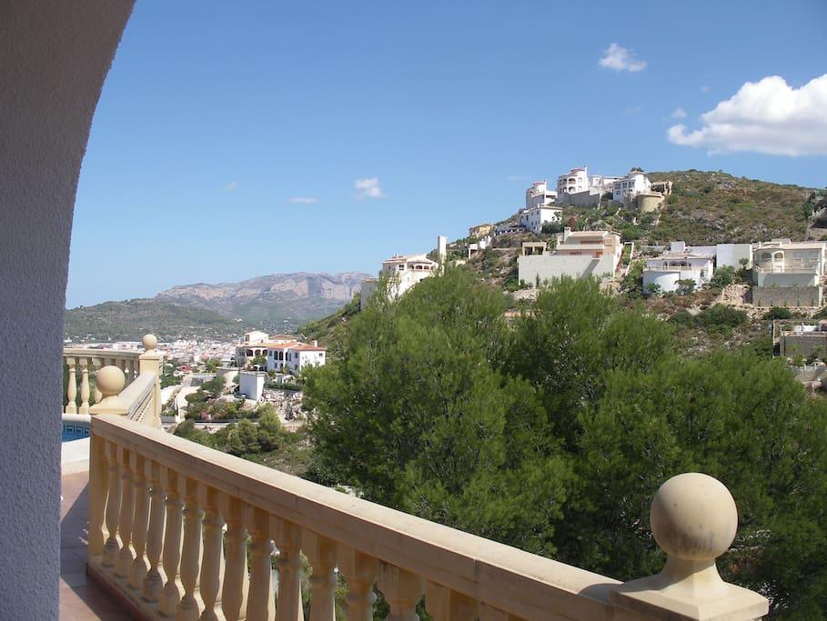 vue dégagée sur l'environnement depuis la terrasse