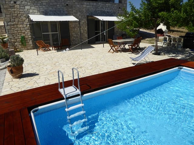Private pool and stunning seaview ! -  Kakorrevma, Chrani,  Peloponnes  - Apartment