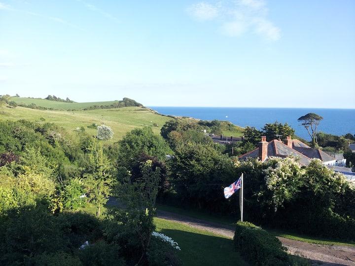 Jurassic Coast Cottage... sea views and garden