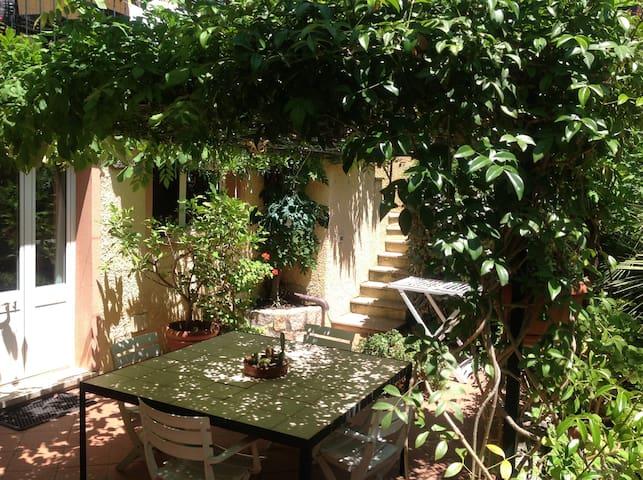 Monolocale in centro con giardino