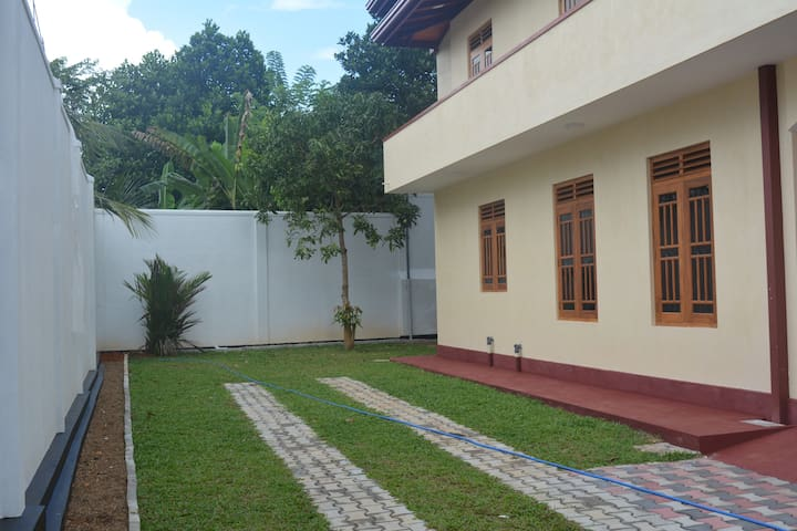 Vittoria Guest House House for rent - Ambalangoda - Rumah