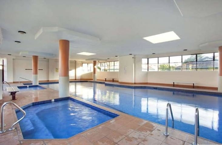 1 Bedroom Resort Style Living - Ashfield - Leilighet