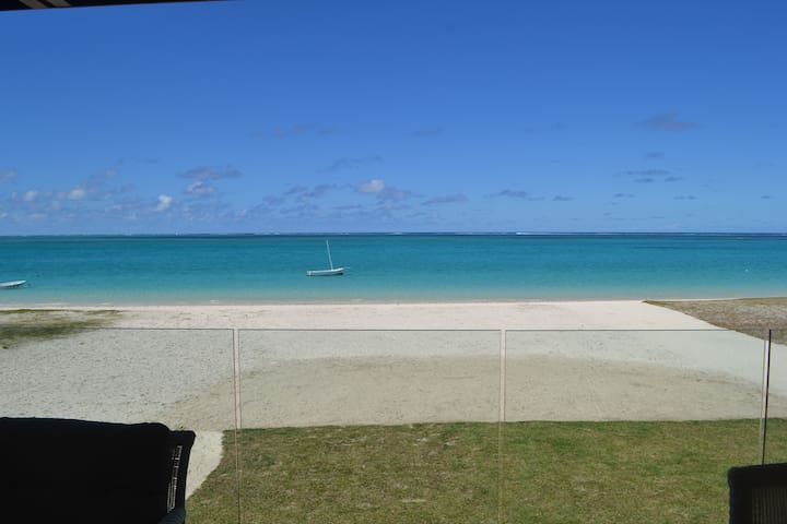 Summer Breeze Beachfront 3 Bedrooms - Pointe d'Esny