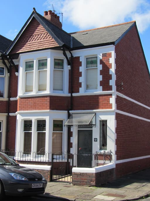 End terrace Victorian House in Victoria Park, Cardiff