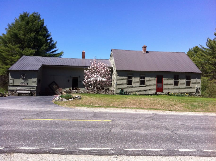 1783 antique cape on 19 acres, aprox 25 minutes to Portland Maine and 1 hour to North Conway NH and close to Ossipee and Sabago lakes, or hike along the Saco River and Limington rapids. Off season this homes primary heat is wood.