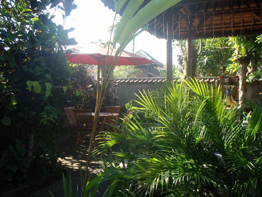 Furnished Gardens to Relax in
