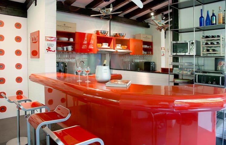 Bar zum Küchenbereich