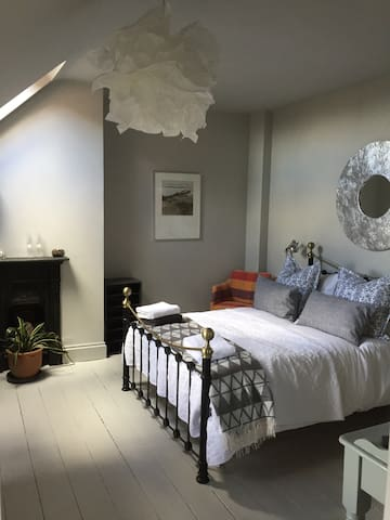 Stylish Boutique B&B Harborne B'ham - Birmingham - Bed & Breakfast