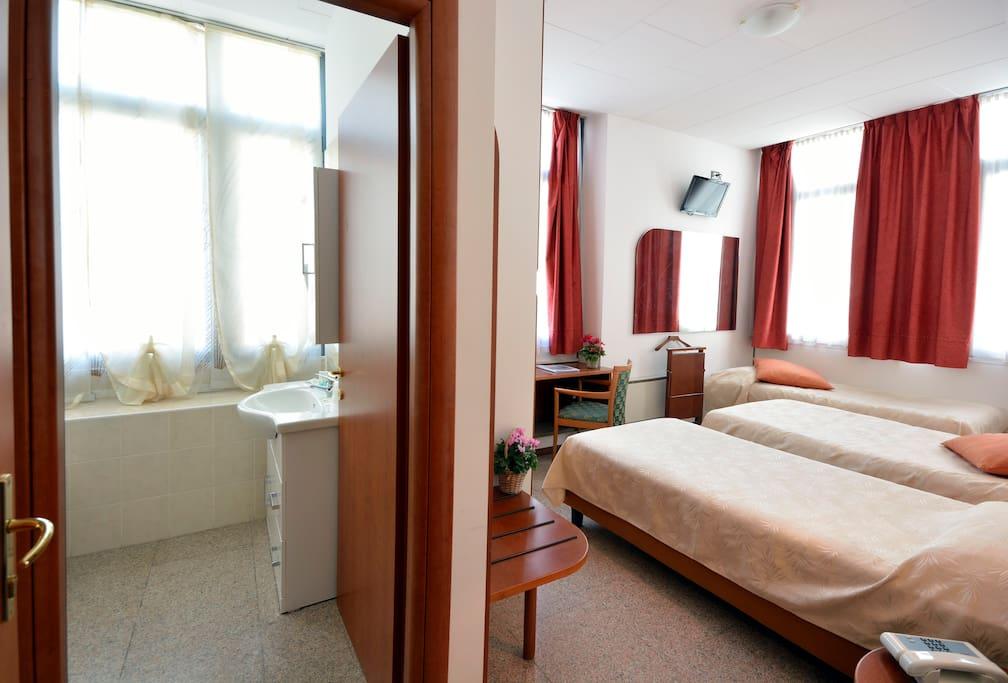 B b albergo meubl stelvio chambres d 39 h tes louer for Albergo meuble abatjour