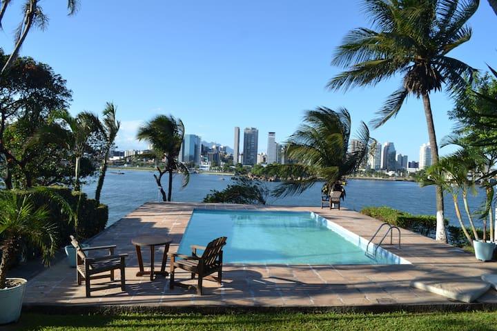 Room with swimming pool, ocean view. - Vila Velha - Wohnung