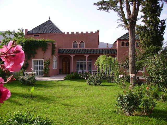 Belle Maison 400m² face au Toubkal - Asni - Huis