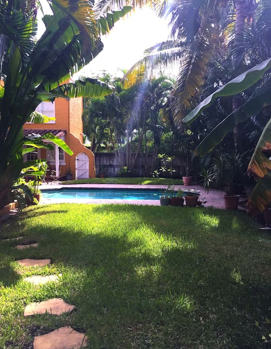 Beautiful cottage with pool access your from private patio