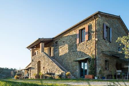 Casa rustica sul Lago Trasimeno