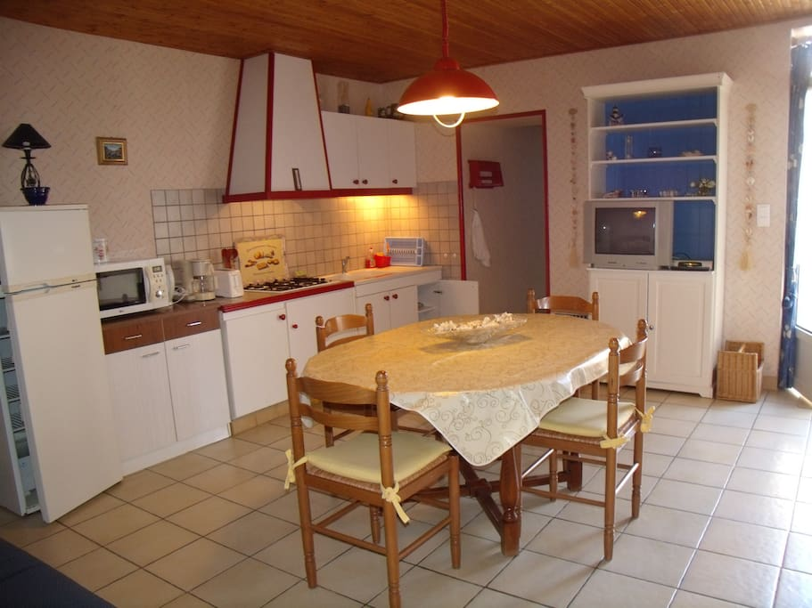 maison dans village de caract re maisons louer brem sur mer pays de la loire france. Black Bedroom Furniture Sets. Home Design Ideas