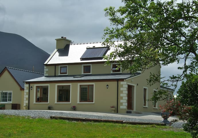 Teach Cuas Gorm , Kells ,Co Kerry