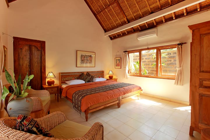 Ubud ArtVilla - Villa Garden Views - All Hand Made