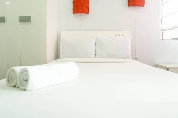 Comfy & Clean Studio Apartment at Puri Mas