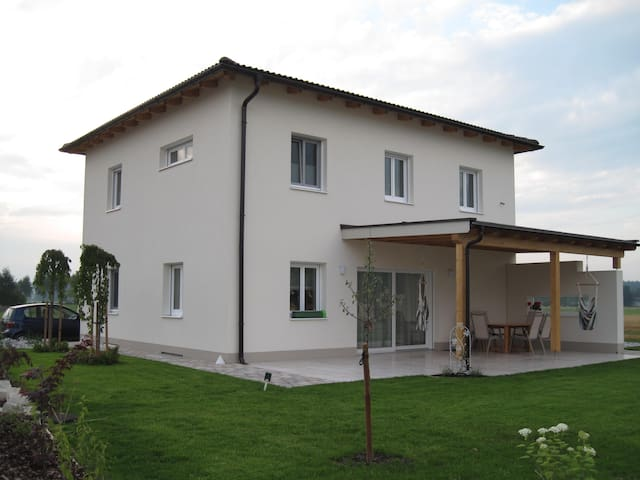 Twin room in the area of beautiful lakes&mountains - Rutzenmoos - House