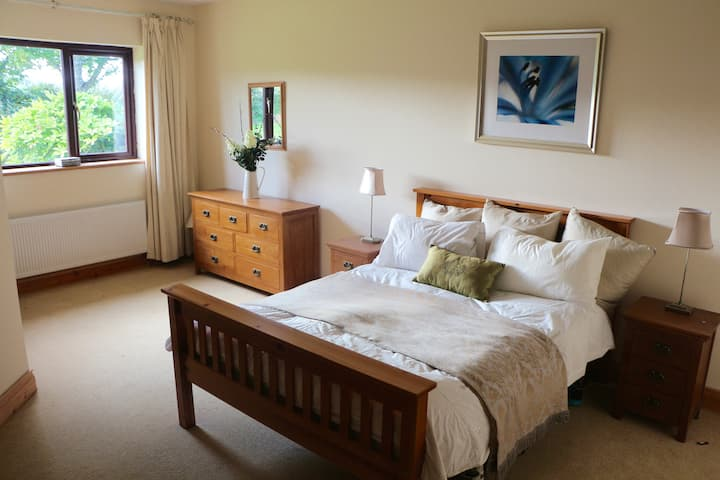 New home near Cork city and airport.   (Superhost)