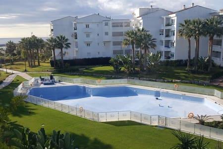 Coqueto piso al lado del mar, Puerto Banus - San Pedro Alcántara - Apartament