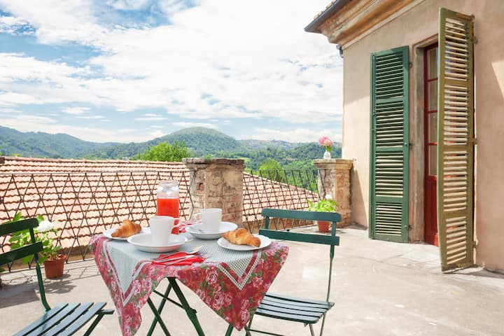Apartment Castle San Sebastiano