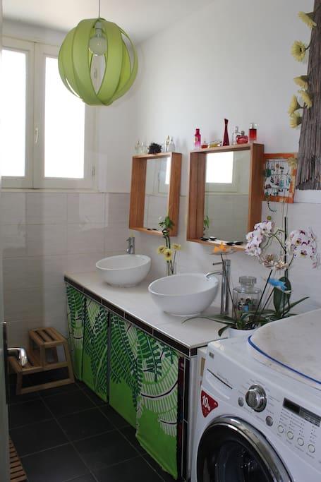 Salle de bain que nous partageons